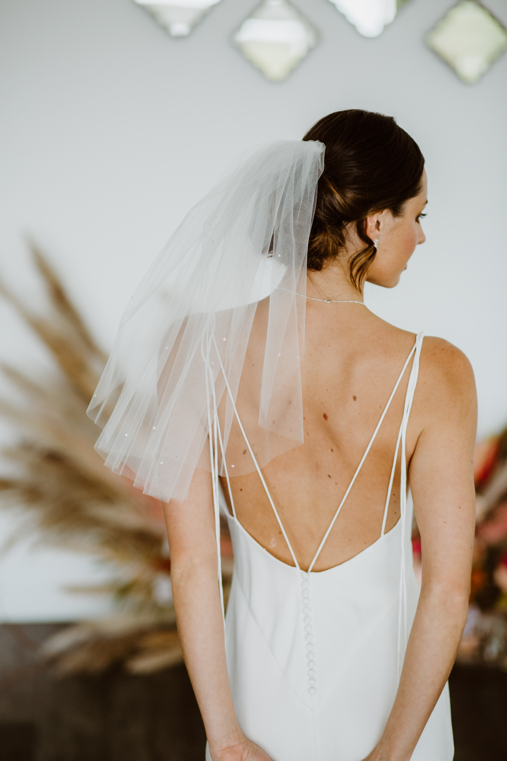 PIXIE - one tier shoulder length veil with scattered diamantes