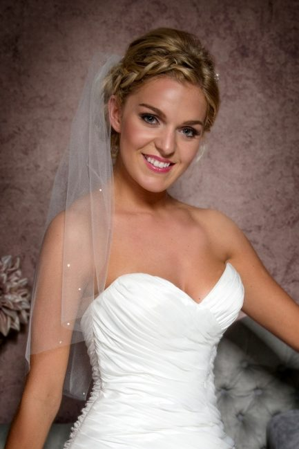 elbow length veil with diamantes closeup