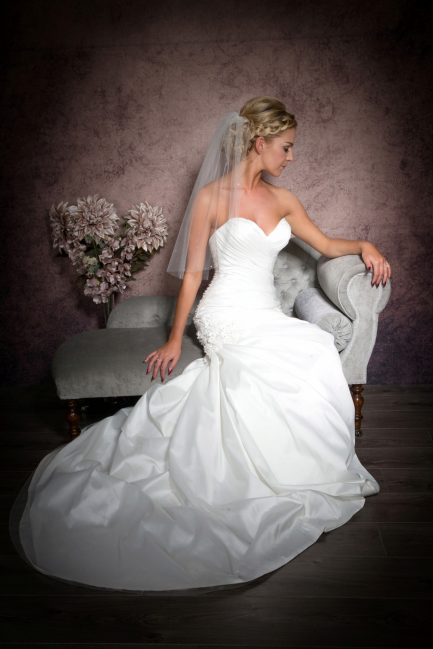 Katie – elbow length veil with scattered diamantes