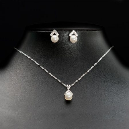 TLS1576 – necklace with a central pearl drop & matching earrings