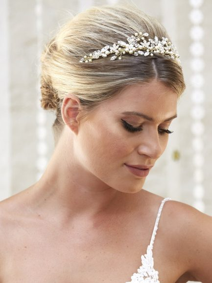 AR569 – handmade tiara in soft gold with pearls & crystals