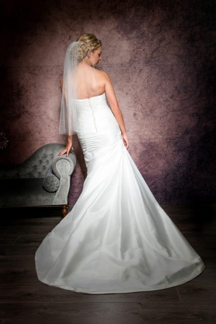 Aimee – one tier waist length veil with pearls & diamantes