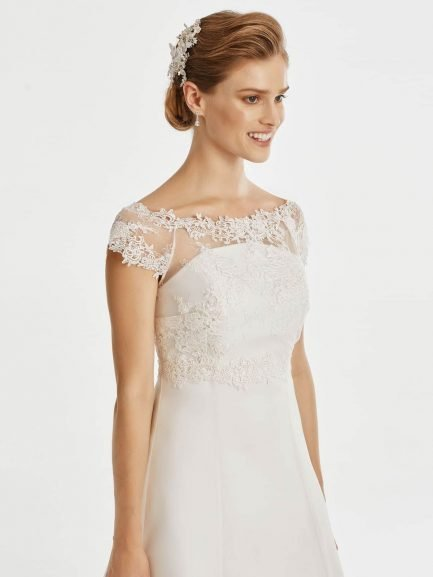 BB257 – short sleeve boat neck bridal jacket with guipure lace