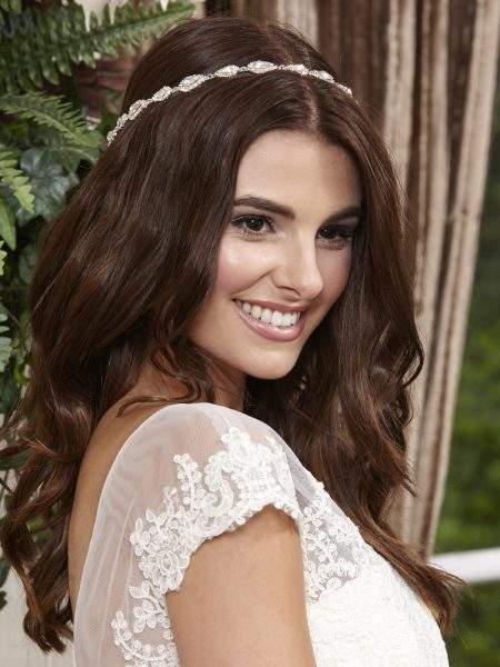 SALE! LT631 – full circle bridal halo with teardrop diamantes