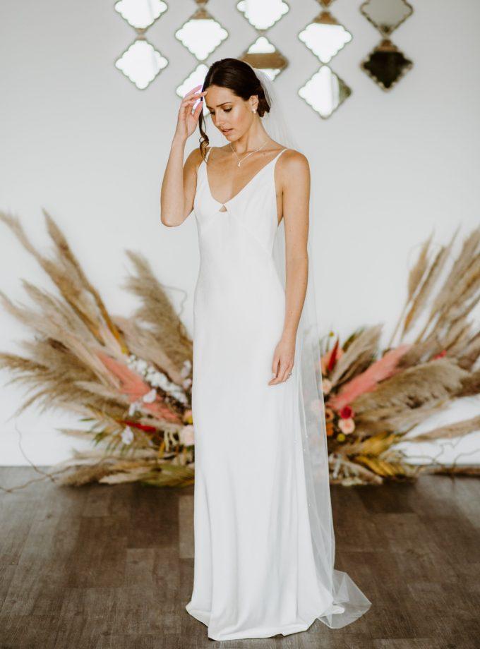 Maria – one tier floor length veil with a cut edge & diamantes