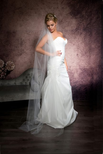 Maria – one tier floor length veil with a cut edge & diamantes
