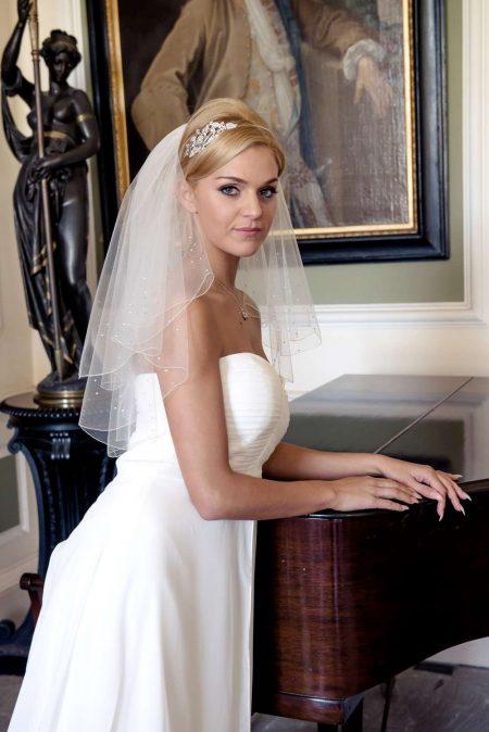 Rain – two layer elbow length veil with a scalloped edge & diamantes