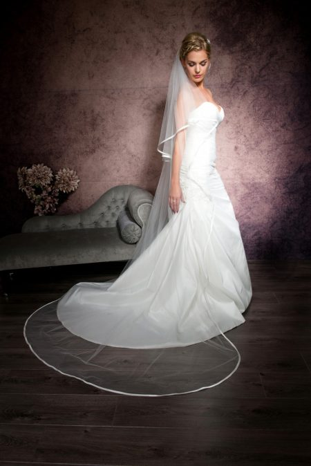Riannah – two tier chapel length veil with satin bias binding