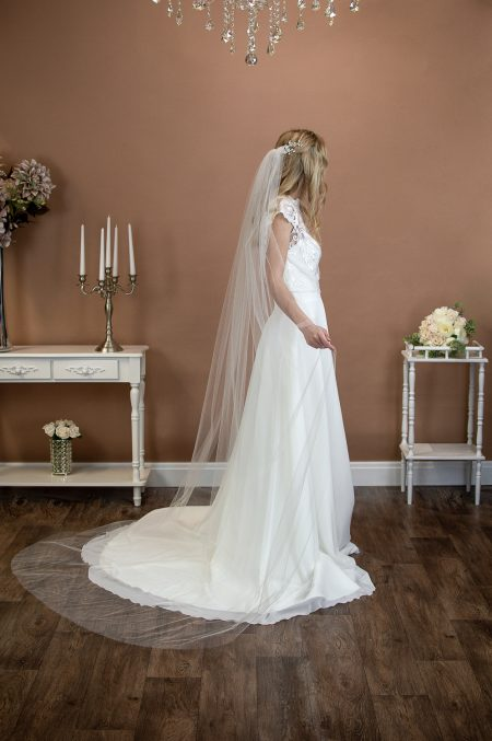 SALE! Skye – one layer plain chapel length veil with a cut edge – light ivory