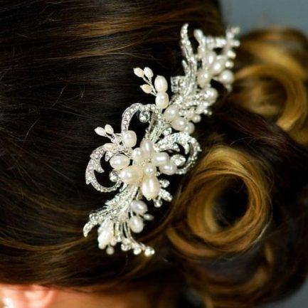 TLH3058 – freshwater pearl & diamante bridal hair comb