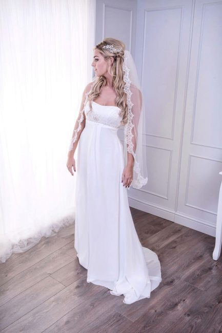 Verity – one layer fingertip length veil with French lace edging