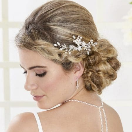 AR554 – hand wired diamante & pearl bridal hair comb