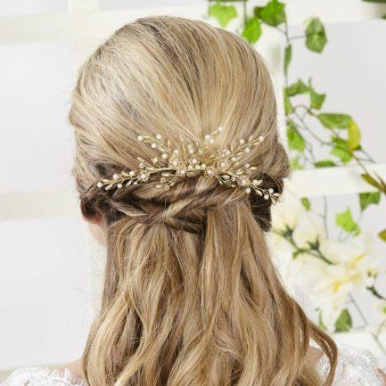 AR559 – handmade crystal & pearl veil comb
