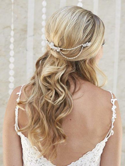 AR562 – Vintage style diamante and pearl hair drape