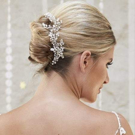 AR580 – pearl & crystal bridal comb with baguette cut diamantes