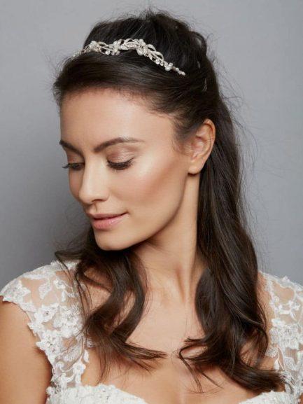 AW1169 – wavy pearl & diamante bridal tiara