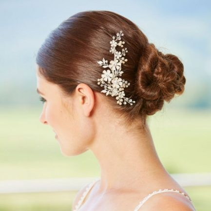 LP721 – enamel look flowers, pearl & diamante hair clip