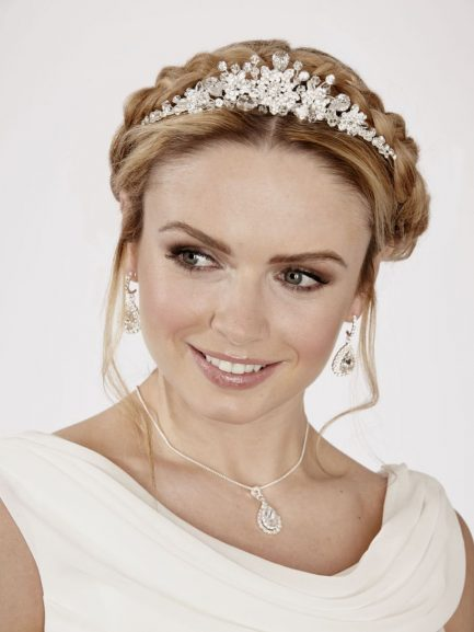 LT494 – large diamante & crystal flower tiara
