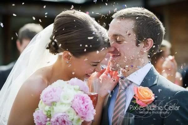 bride and croom confetti