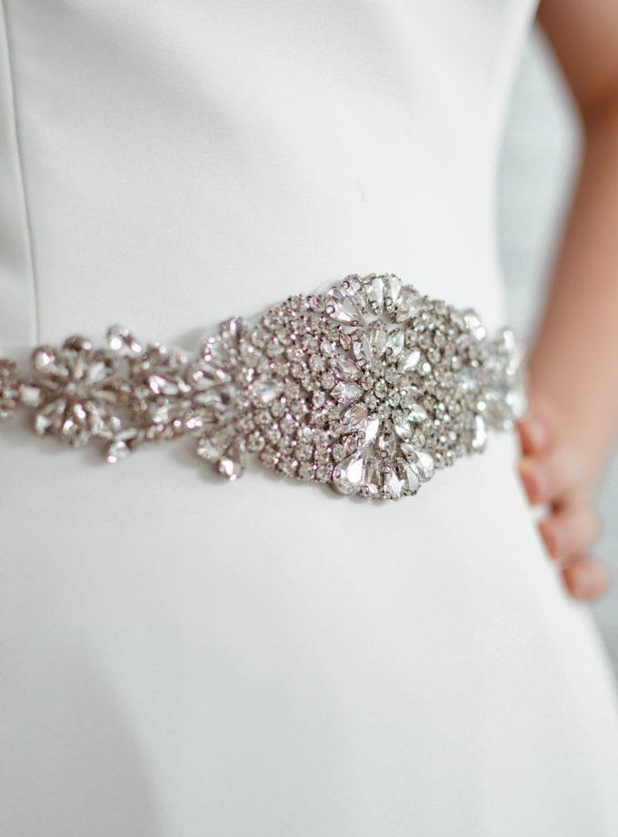 pbb1005 - vintage style diamante bridal belt on model 1