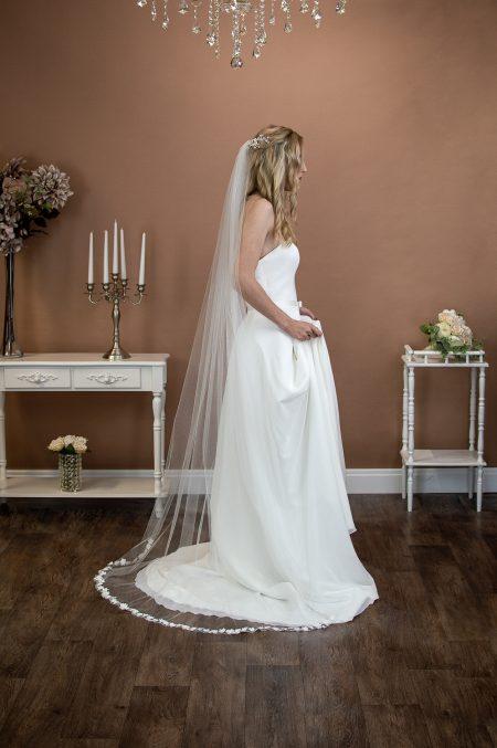 MEADOW – single layer floor length wedding veil with 3D flower edging
