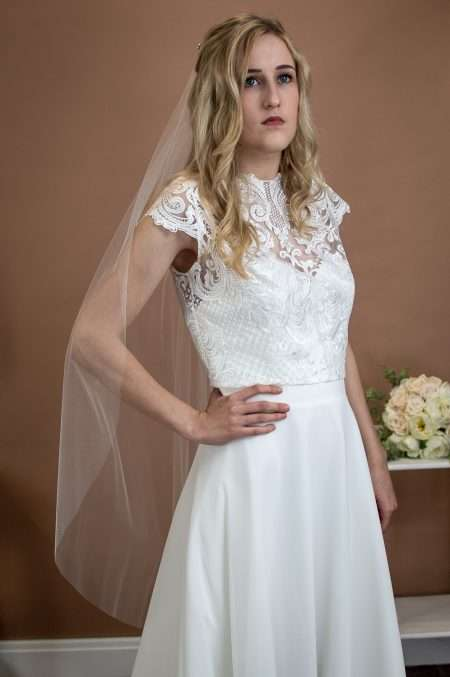 SALE! TINA – one tier plain cut edge wedding veil in fingertip length – light ivory