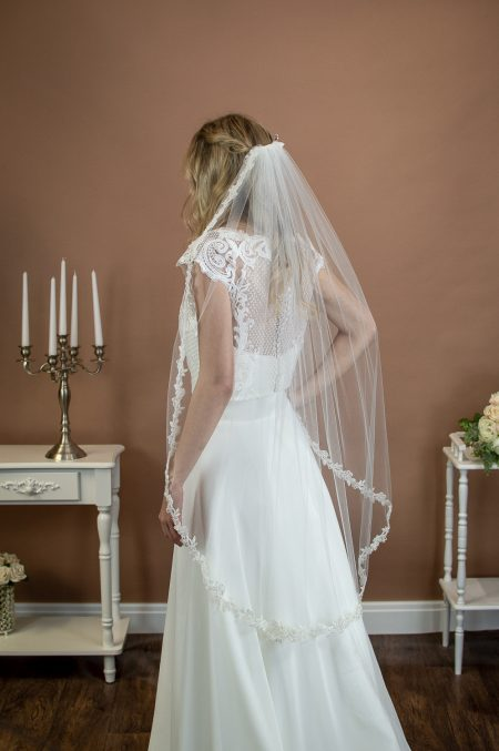ZOE – single layer fingertip length veil with a beaded floral lace