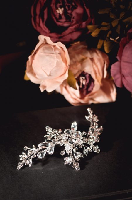 Cosette - classic diamante bridal hair comb with large diamantes on books TLH3095