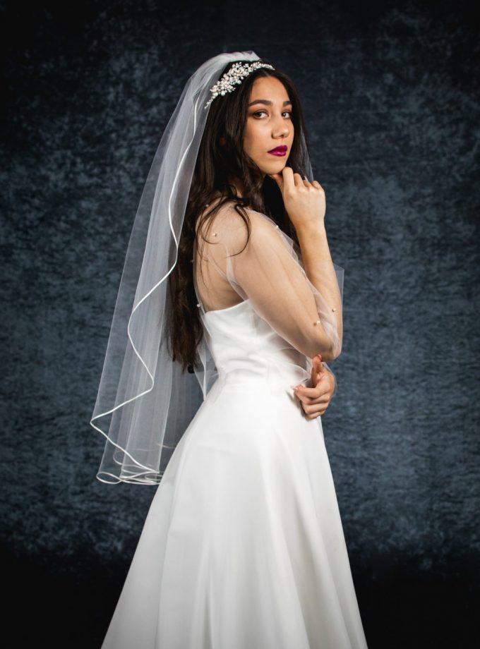 Kara – one layer hip length veil with ribbon edging