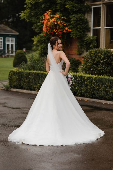 The Lauren bridal veil on real bride Hollie